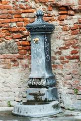 Fontanella pubblica, Pisa