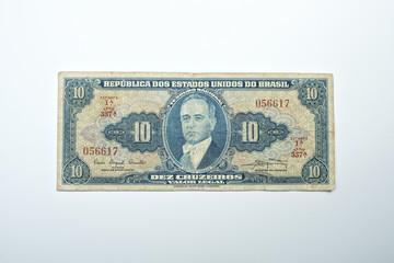 Banconota brasiliana da 10 cruzeros fuori corso