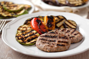 Hamburger with grilled mixed vegetables
