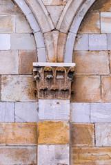 Lesena, pilastro capitello corinzio