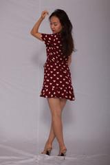 Frau im Sommerkleid