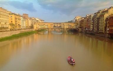 Paesaggio di firenze con vista su su Ponte Vecchio