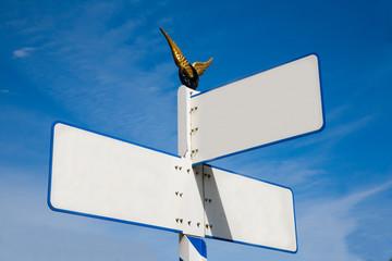 Empty direction post