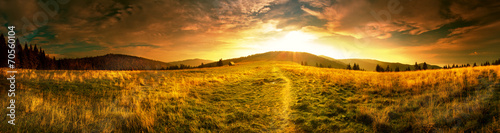 Fotobehang Bergen Panoramic view of the sunrise in the Tatra mountains