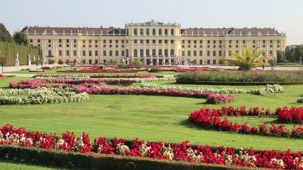 Wien - 027 - Schoenbrunn - Garten