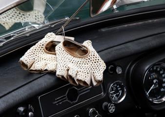 vintage leather gloves for the vintage car race