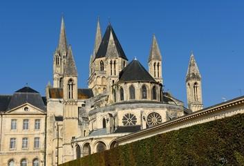 男子修道院の塔 カン  フランス