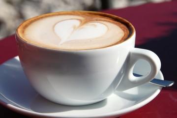 Kaffee mit Herz: Wiener Kaffee / Cappuccino