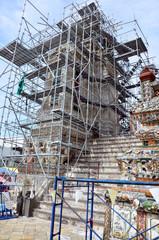 Renovate prang of Wat Arun ratchawararam Ratchaworamahawihan