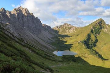 Bergpanorama mit Lachenspitze und Landsberger Hütte