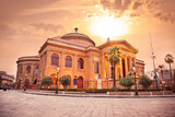 operní dům teatro massimo v palermu na sicílii