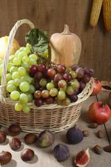 Prodotti agricoli autunno su legno
