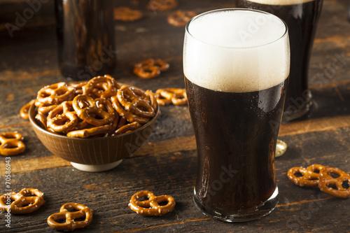 Leinwanddruck Bild Refreshing Dark Stout Beer