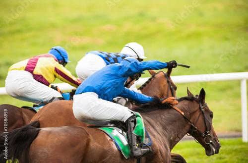 Aluminium Paardrijden close call horse race