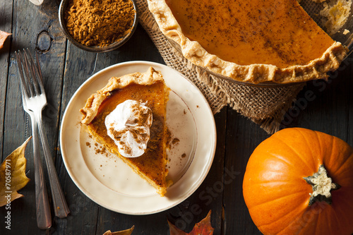 Foto op Plexiglas Dessert Homemade Pumpkin Pie for Thanksigiving