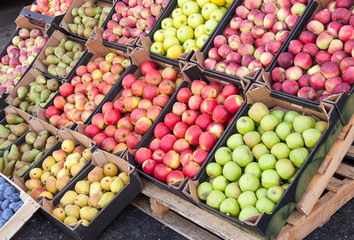 Fresh apples and pears for sale at the farmers market