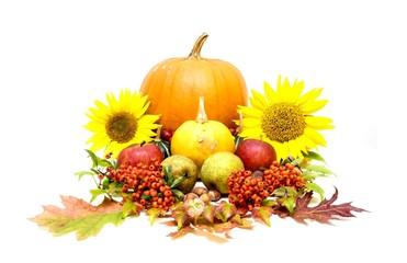 Erntedankfest, dekorative Zusammenstellung von Obst und Gemüse