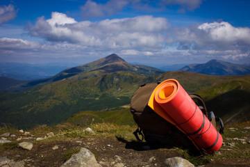 рюкзак и горы