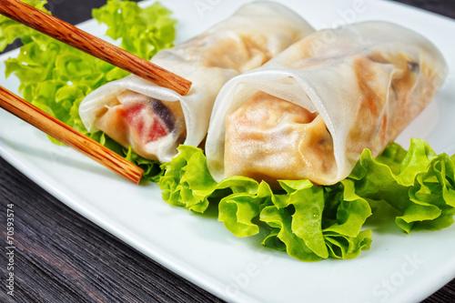 spring rolls - 70593574