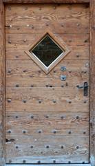 vieille porte grisonne
