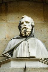 Statua di uomo con barba, busto