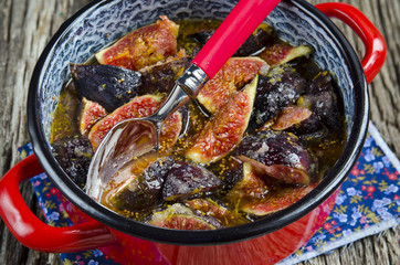 Cooking jam of figs