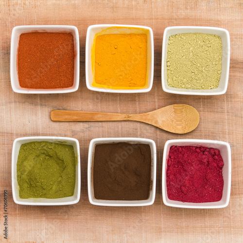 plantes colorantes en poudre (garance, curcuma, henné neutre, h - 70604990