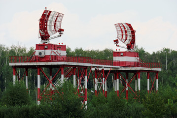 Радио-локационная станция диспетчерской службы авиации