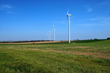 Alignement d'éoliennes
