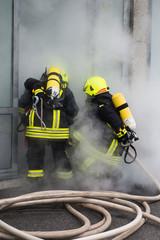 Feuerwehreinsatz - Brandbekämpfung