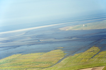 Luftbild vom Schleswig-Holsteinischen Wattenmeer bei Westerhever
