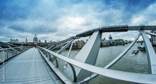 The Millennium Bridge, Londyn