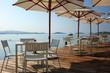 Terrasse d'un bar en bord de mer  - 70635109