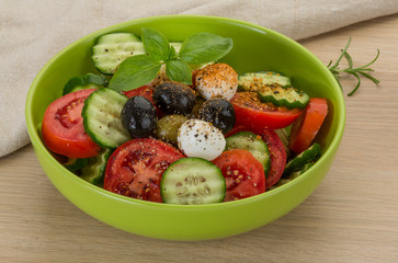 Salad with mozzarella and tomatoes