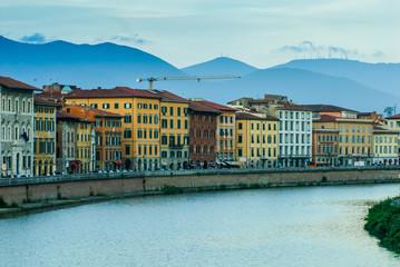 Veduta dei Lungarno Pacinotti di Pisa, Italia