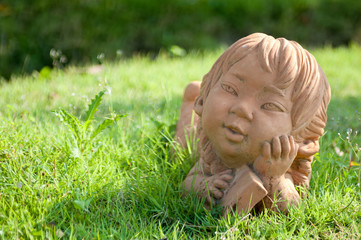 girl statue in the garden