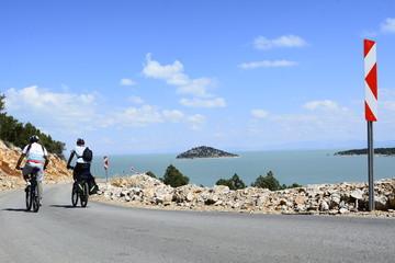 manzara eşliğinde bisiklet gezisi