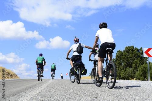 Deurstickers yokuş çıkan bisikletçiler