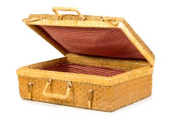 valigia di vimini semi aperta