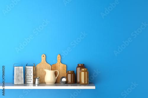canvas print picture Regal in Küche mit Brettern und Reiben