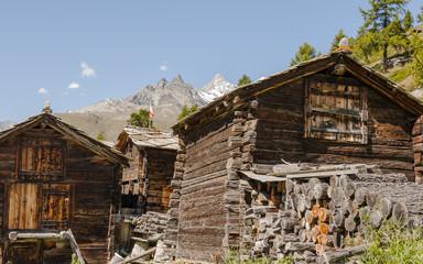Zermatt, Bergdorf, Alpen, Holzhäuser, Findeln, Schweiz