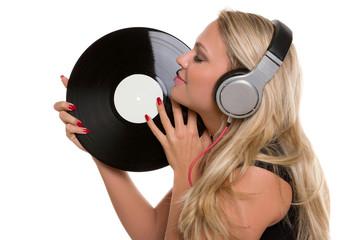 DJ, DJane genießt eine Platte