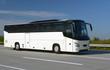 Leinwanddruck Bild - Reisebus auf Autobahn