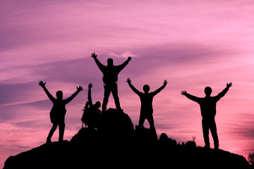 başarılı dağcılar zirvede