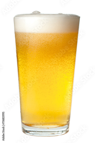 Aluminium Bier Pint of Beer on White