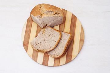 Appetzing sliced homemade bread on table