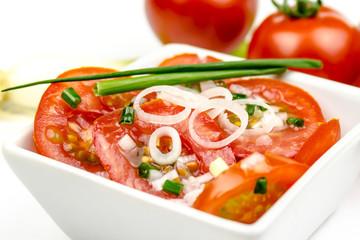 Tomatensalat in Schüssel