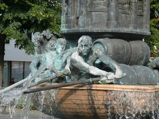 Historiensäule (Brunnendetail)