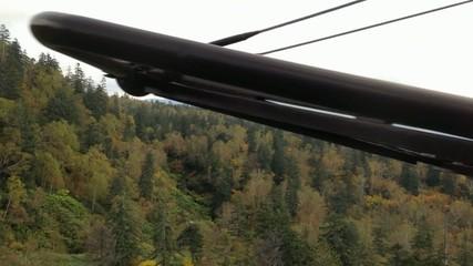 ロープウェイの車窓から観る紅葉_3