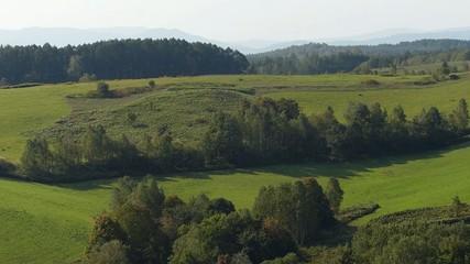 緑の丘の風景_1